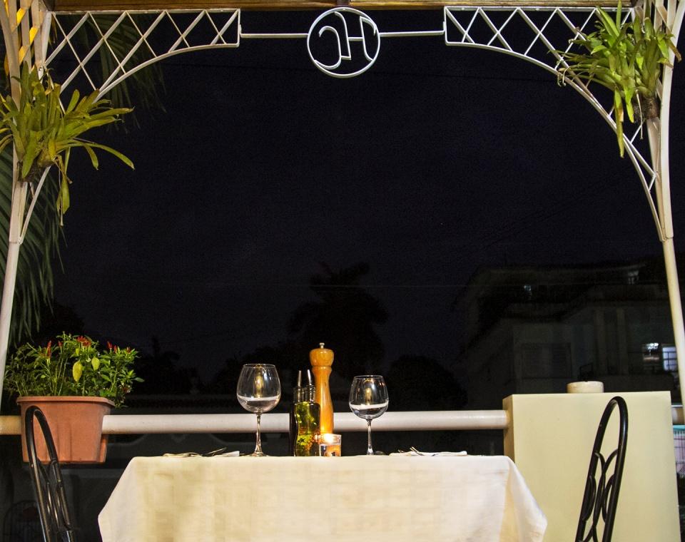 Mesa cena nocturna
